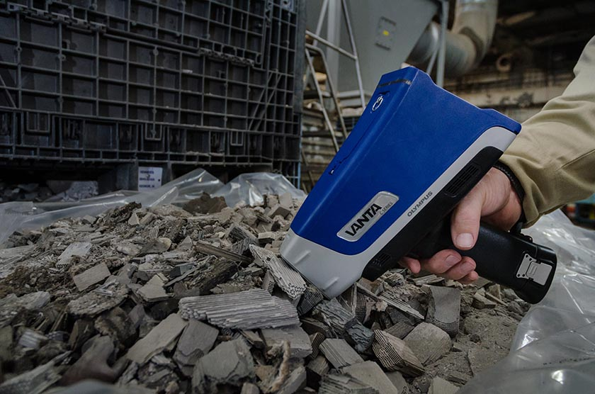 Vanta handheld XRF analyzer for precious metals